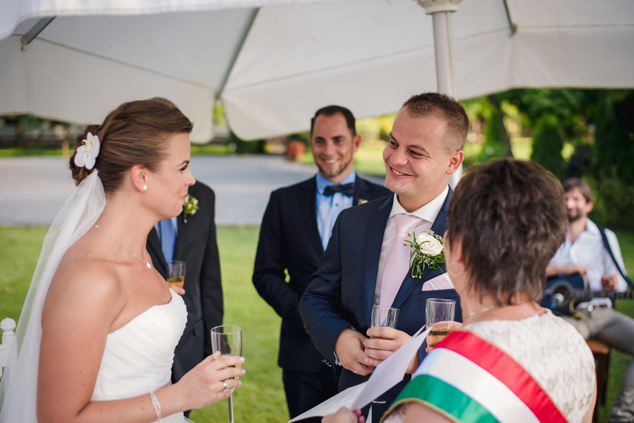 Ceremóniamester, esküvő Lázár Lovaspark, ceró, Domonyvölgy