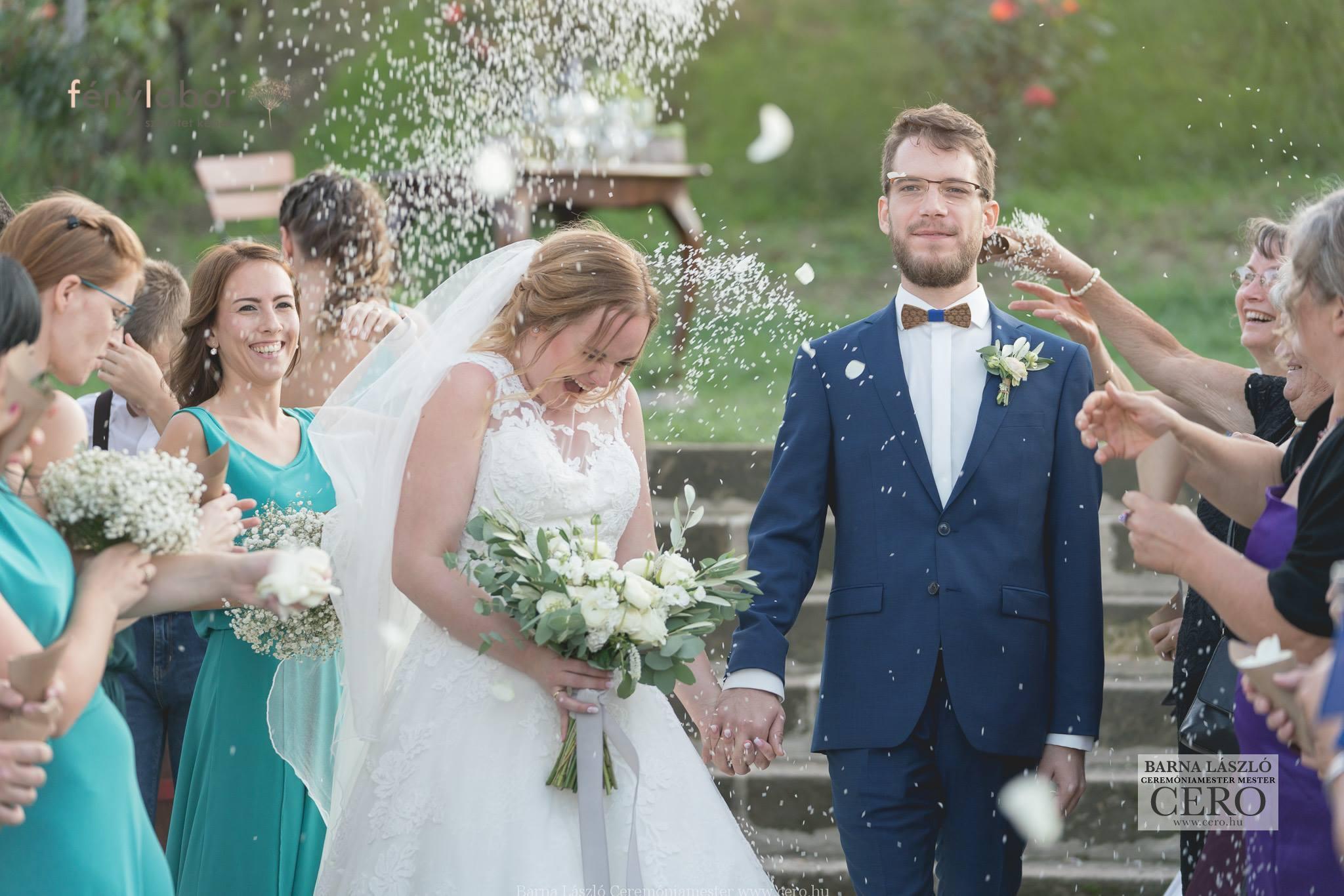 Ceremóniamester, esküvő képek Etyeken a Rókusfalvi birtokon. Ceró: Barna László