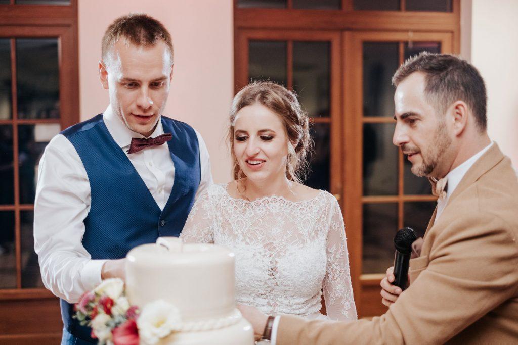 Esküvői torta Esküvő Soltvadkerten és Bócsán. Ceremóniamester Ceró Barna László Budapest