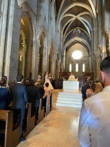 Szertartás és esküvő a Pannonhalmi apátságban és a Viator Étteremben . Ceremóniamester, Ceró Barna László